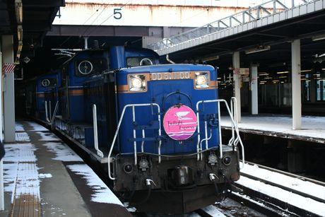 札幌駅に入線するトワイライトエクスプレス