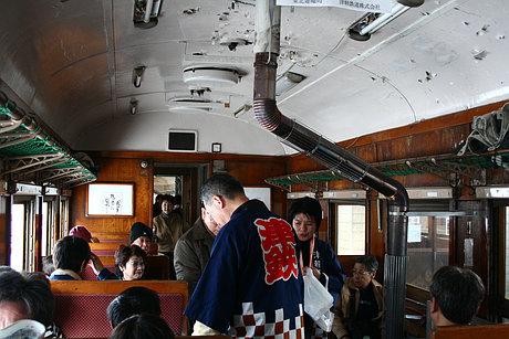 ストーブ列車車内