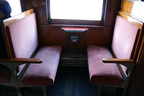 ストーブ列車座席